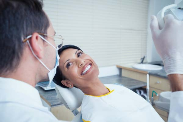 Cosmetic Dentistry Solutions For Uneven Teeth